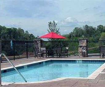 Outdoor Swimming Pool of Hampton Inn & Suites Sevierville @ Stadium Drive