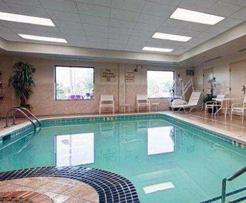 Best Western Riverview Inn & Suites Indoor Pool