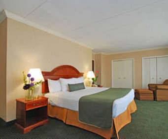 Best Western Capital Beltway Room Photos